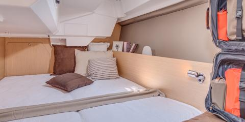 Moorings 38.1 interior cabin
