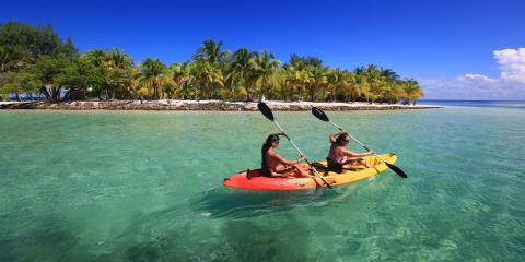 Women kayaking in Belize