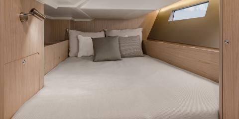 Moorings 42.1 cabin
