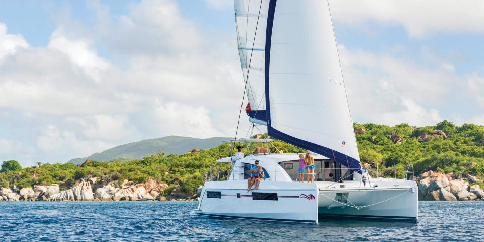 Moorings 4000 Sailing Catamaran