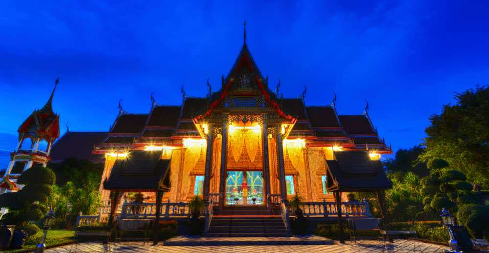 five-adventures-across-the-world-thailand-temple.jpg
