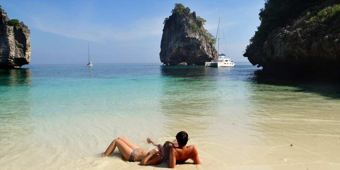thailand-yacht-charter-beach
